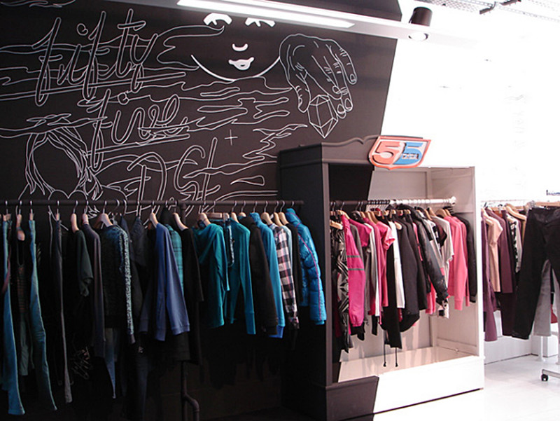 55dsl-brand-new-paris-showroom_4